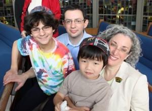 Katz-family-photo-300x220-qYzy0j.jpg